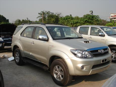 new and used Toyota Fortuner - Hilux Vigo based SUV at Thailand's and Dubai's top new and used Toyota Vigo and Toyota Fortuner dealer Sam Motors