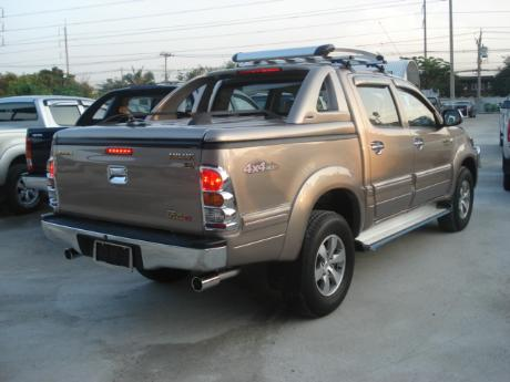 new Toyota Hilux Vigo Double Cab with Superlid GSR at Thailand's top Toyota Hilux Vigo dealer Sam Motors Thailand
